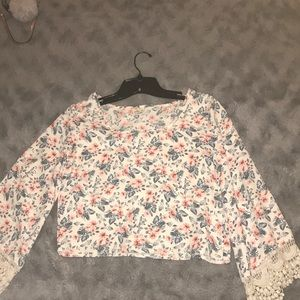 Floral blouse with lace bottom sleeves